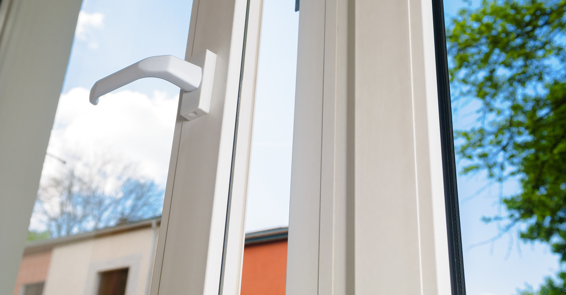 vinyl door and vinyl windows for your home